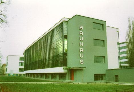 Edificio de la Escuela Bauhaus de Dessau (1925-1932), diseñado por Gropius.