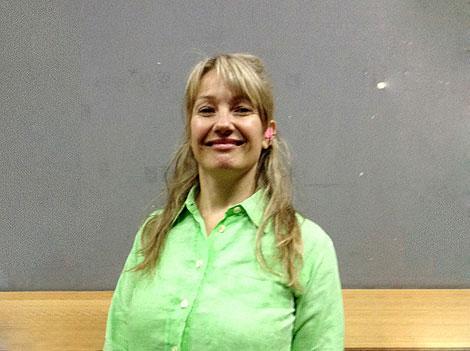 """Entrevista en vivo (invitada especial) — Kiwi Sainz: licenciada en letras, especializada en etnografía urbana, """"catadora de tendencias"""""""